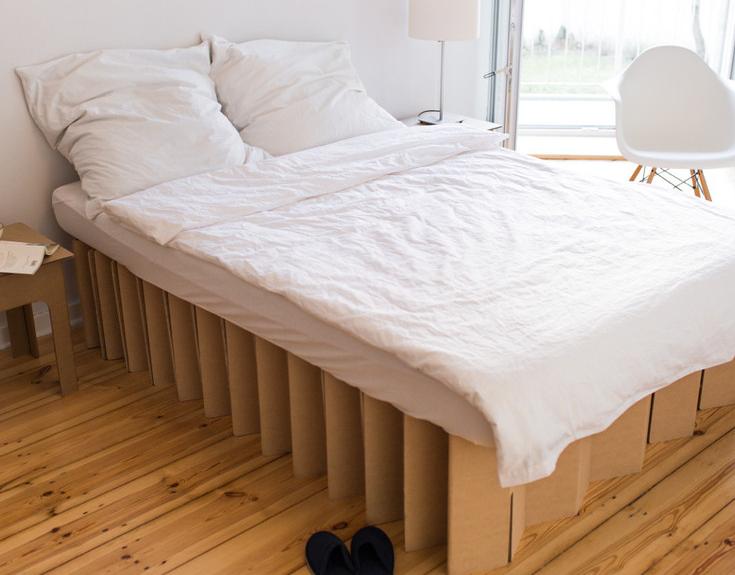 pappbett im ziehharmonika design die tollsten produkte. Black Bedroom Furniture Sets. Home Design Ideas